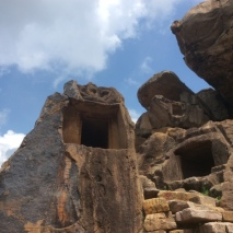 Serpent cave