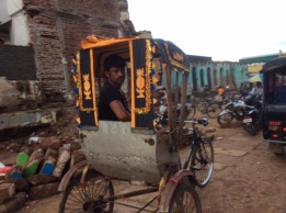 Rickshaw driver near the side the Jagnnath Temple