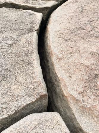 Granite fissure